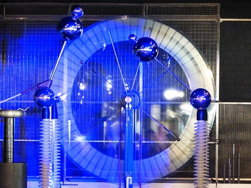 雷 仕組み 発電 光 実験
