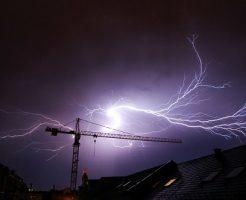 雷 電圧 電流 直流 交流
