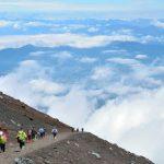 登山時の雷に備えて!富士山での落雷に遭ったら!