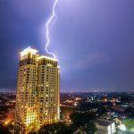 雷が落ちやすい場所と雷の色の種類
