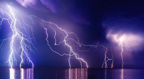 雷 海 電気分解
