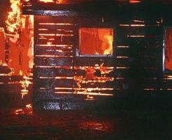 雷 家の中 火事 避雷針
