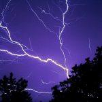 雷の色や音の種類について