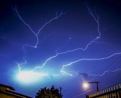 雷 音速 落ちた場所 エネルギー 計算